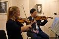 Oliwia Locher und Nakhyun Kim (beide Violine)