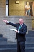 Prof. Dr. Tassilo Knauf führte in das Werk ein