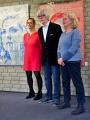 Astrid Schütze, Patrizia Casagranda und Job Schräder  stellen sich den Fotografen
