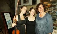 Elisabeth Horn  (Violine), Stephanie Mirwald (Akkordeon und Anke Wienke (Tortilla)
