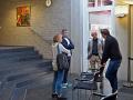 Gespräche bei der Ausstellung